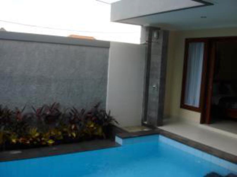More About Villa Sunia
