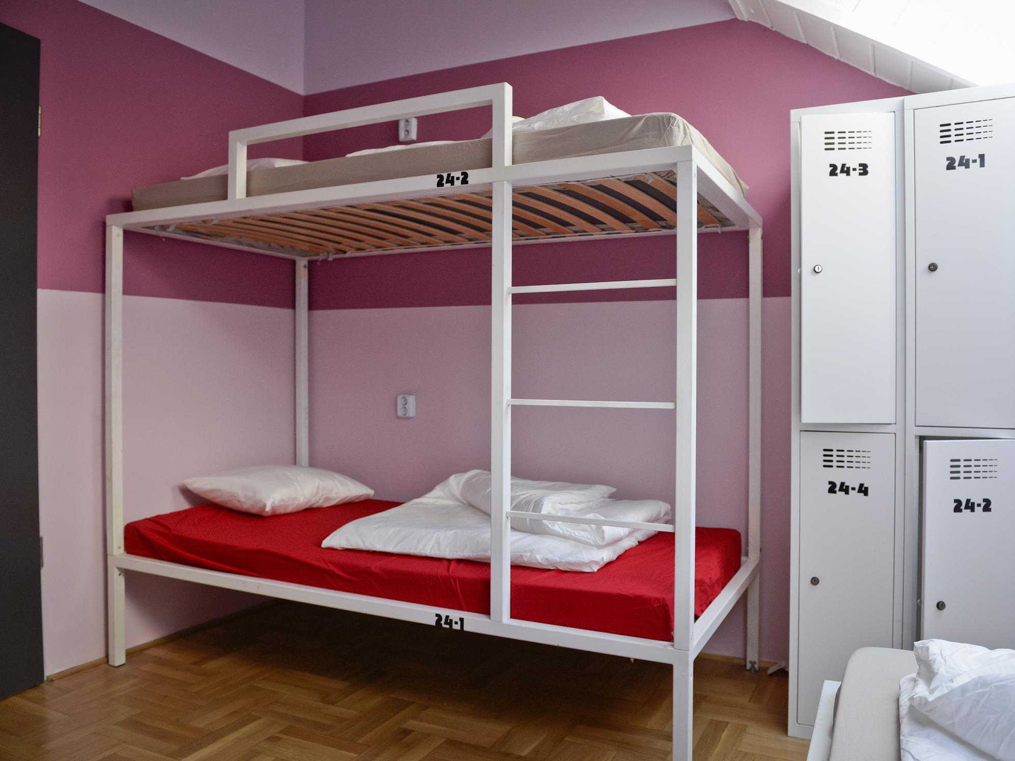 1 persona en dormitori compartit de 6 llits amb bany compartit ‒ Només per a dones (1 Person in 6-Bed Dormitory with Shared Bathroom - Female Only)