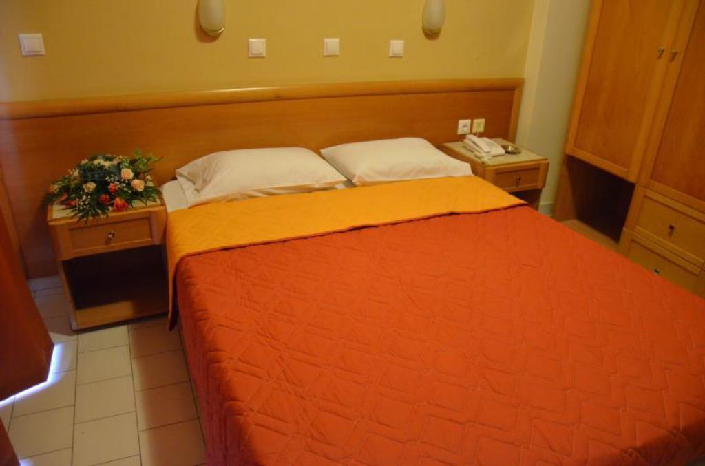 Single basic room - Bed Congo Hotel