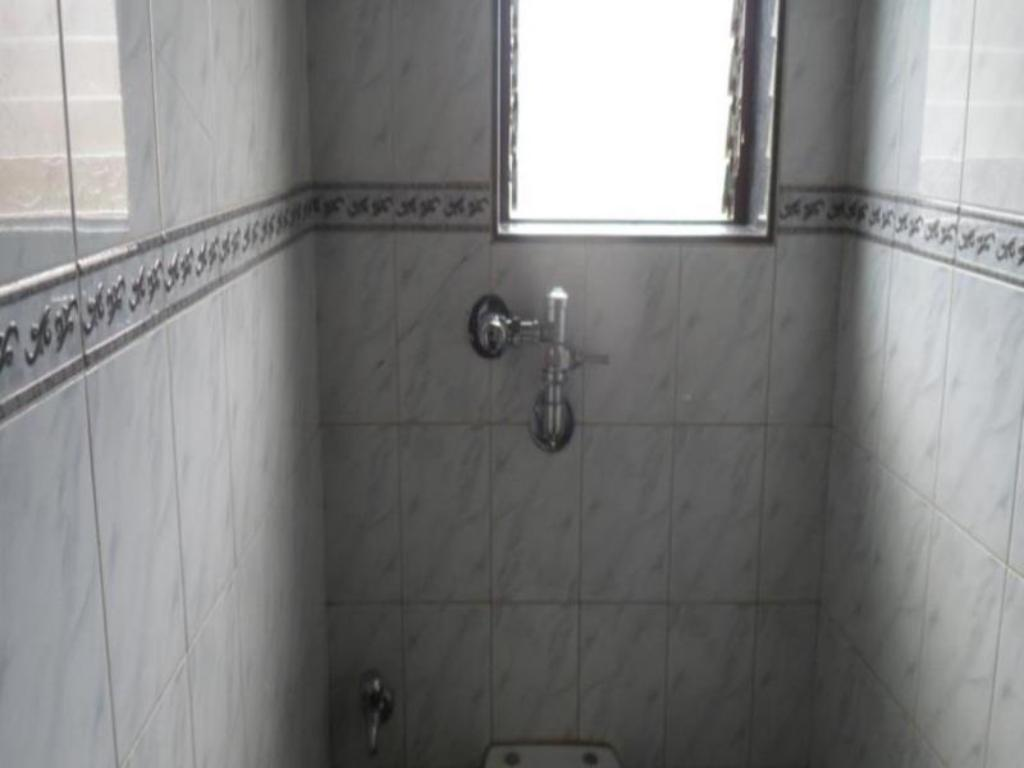 Bathroom Hotel Kailash Lodging