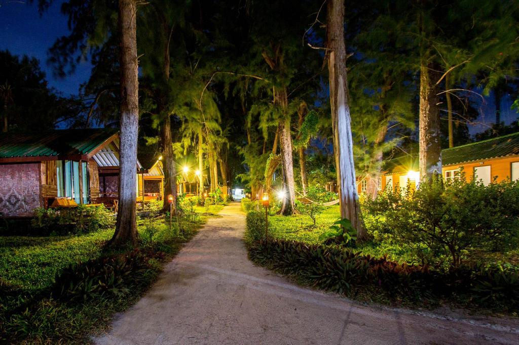 More about Salisa Resort