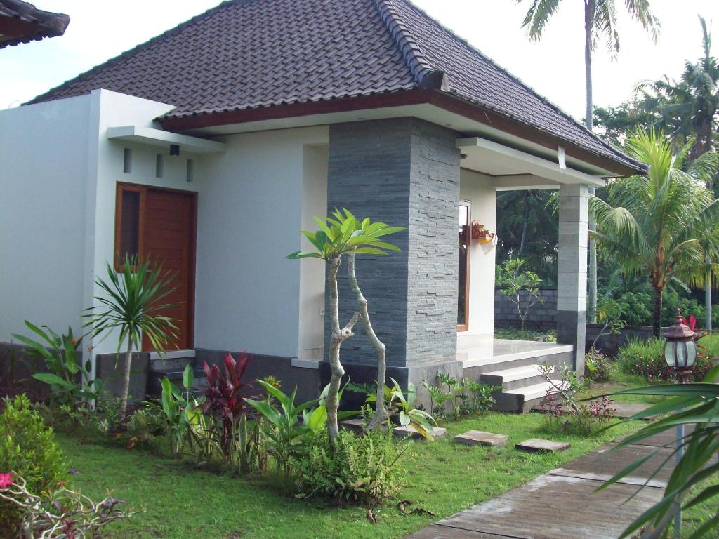 More about Pondok Made Villa