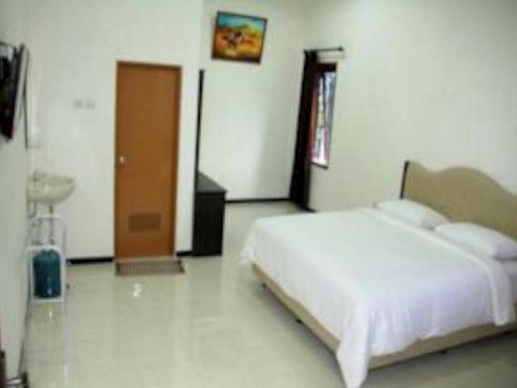 Superior Double Room Baliku Guest House
