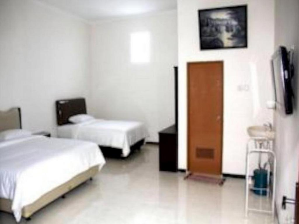 See all 6 photos Baliku Guest House
