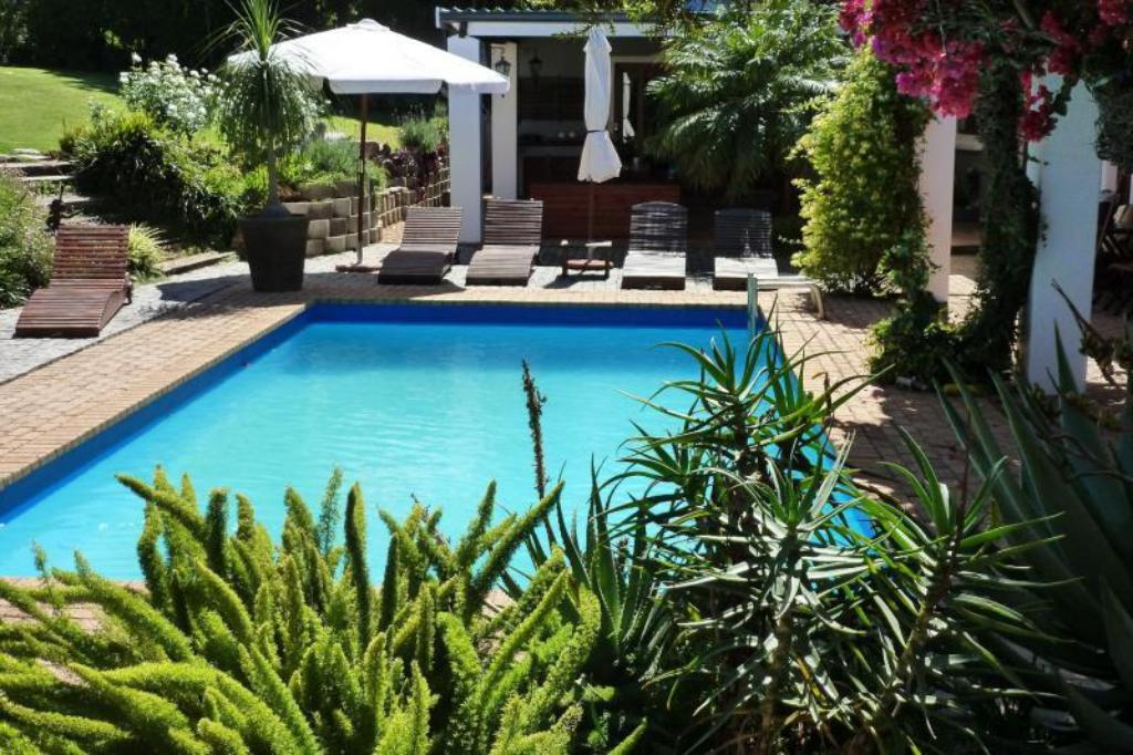 Swimming pool [outdoor] Marula Lodge Guesthouse