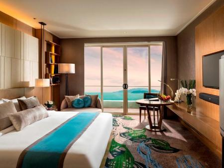 1 King Bed Deluxe Ocean View InterContinental Nha Trang