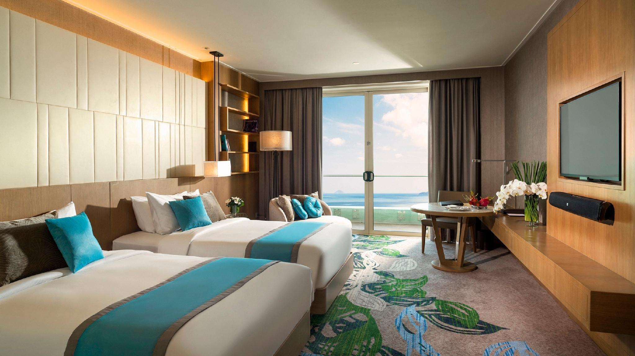 2 Single Beds Club Ocean View