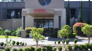 Dingley International Hotel