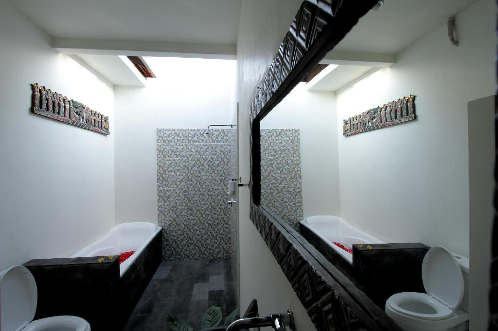 Twin/Double - Bathroom Maha Residence Guest House