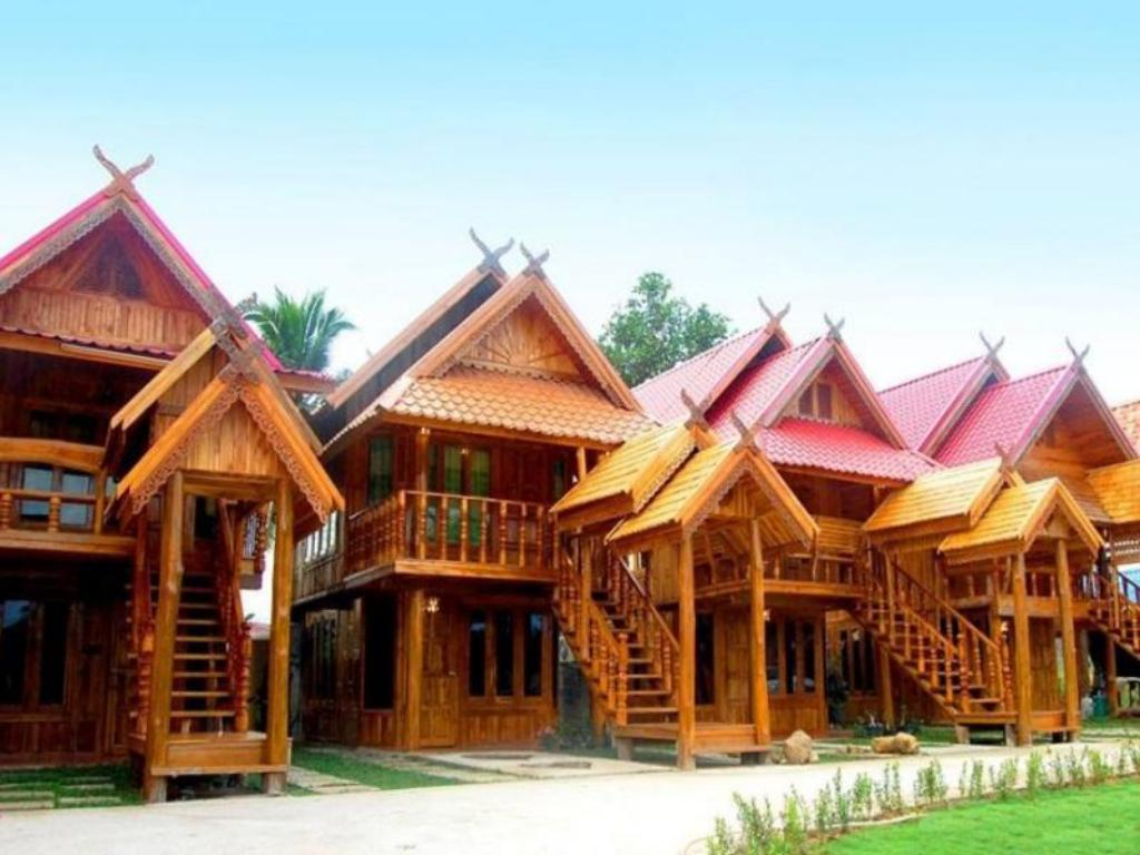 More about Jiaw Resort