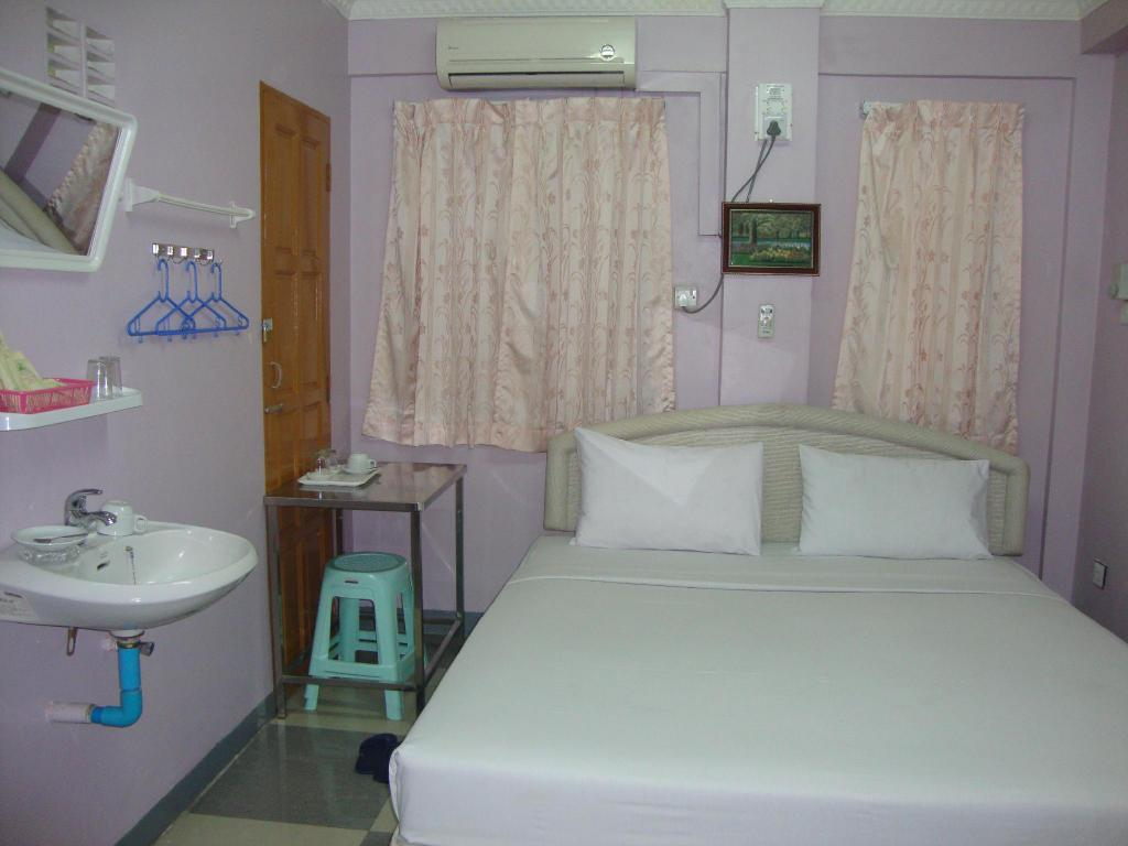 Standard Double or Twin - Bed Kaung Su San Hotel