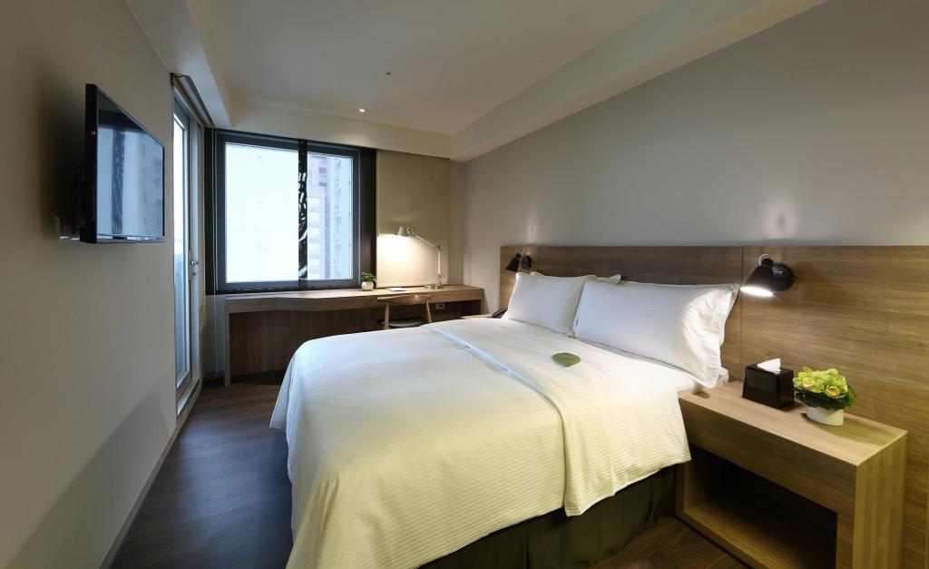 Superior Double - Bed Just Sleep Kaohsiung Zhongzheng Hotel