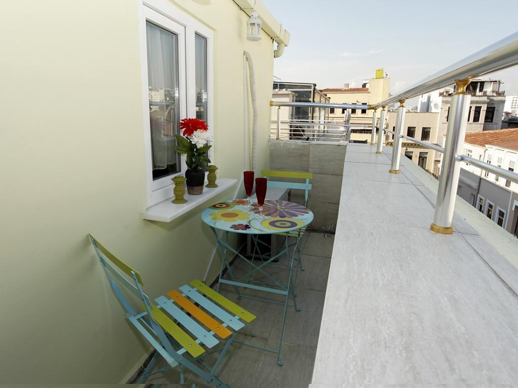 Balcony/terrace Taksim Istiklal Suites