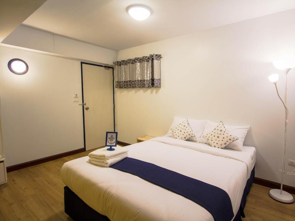 Small Double Bed Room - Bed Nautical Home Khaolak Bed and Breakfast