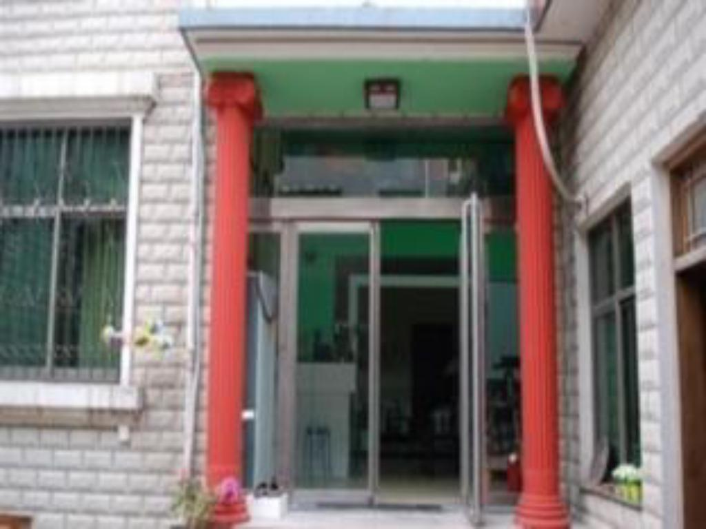 Vista exterior Dengfeng North Latitude Shaolin Youth Hostal (Dengfeng North Latitude Shaolin Youth Hostel)