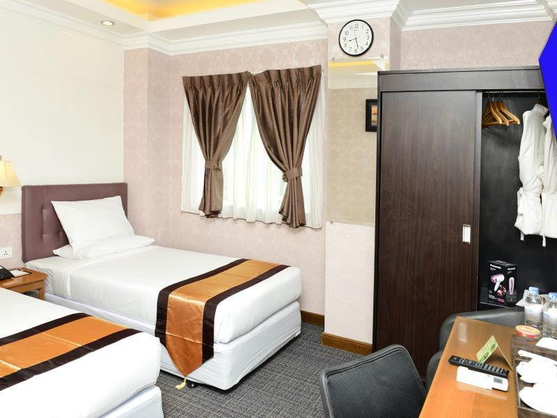 Superior Room with City or Street View