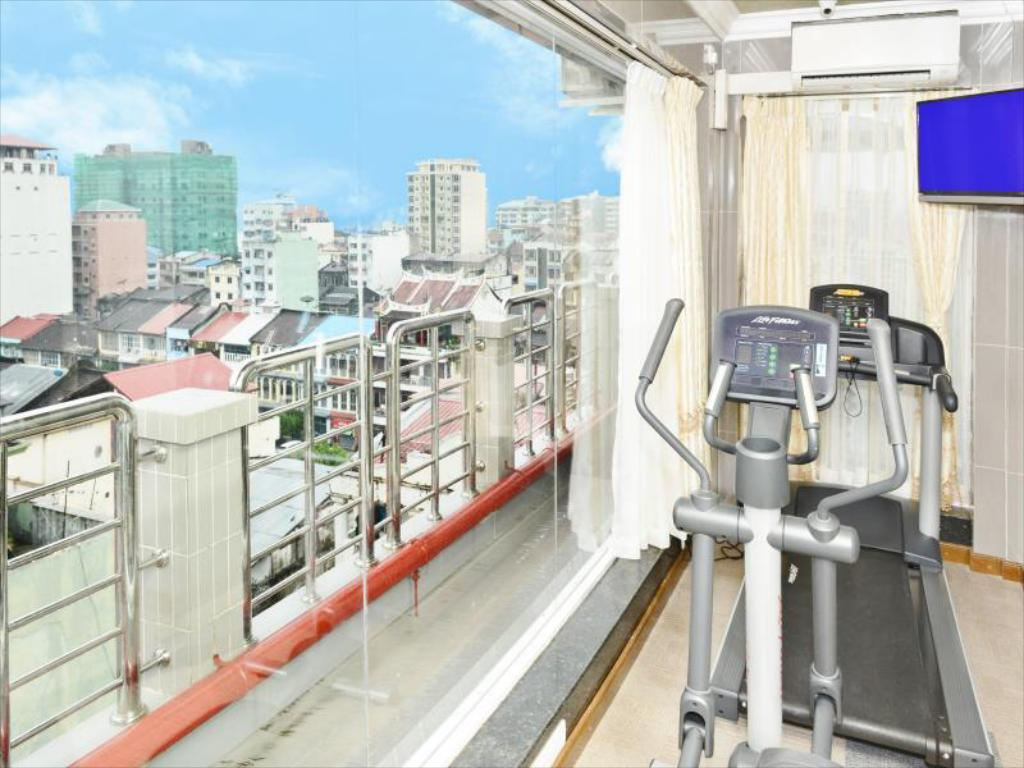 Fitness center Hotel Grand United 21st Downtown