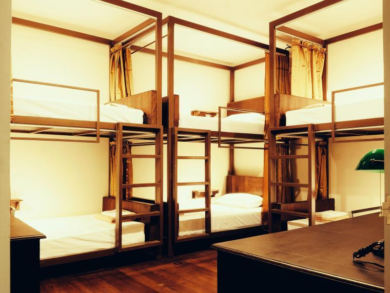 1 Bed in  Dormitory with 6 beds
