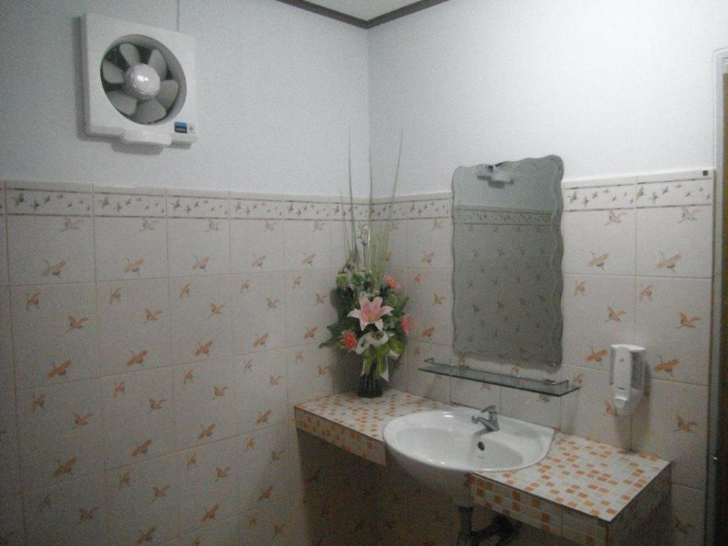 Bathroom Phupreugsa Resort