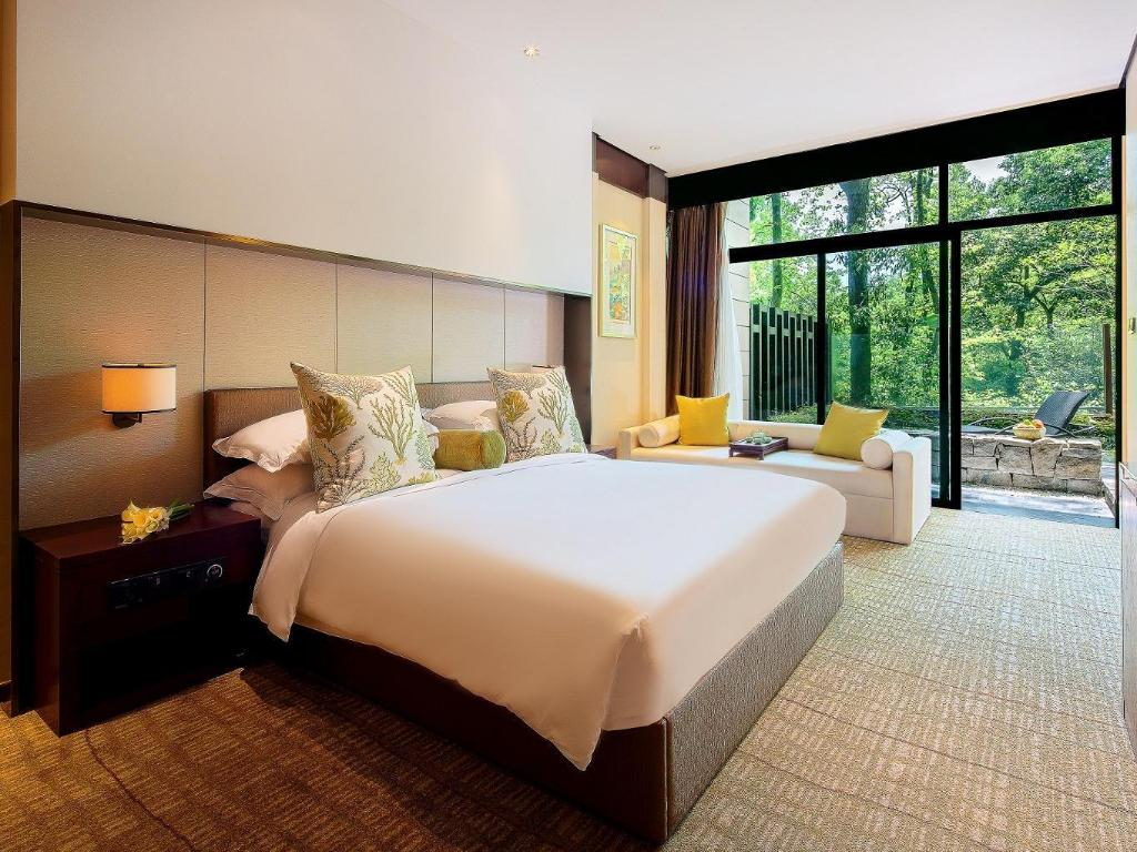 Courtyard Room With Garden View - Guestroom Millennium Resort Hangzhou