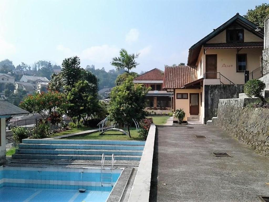 Villa Tunas Alam Mutiara Cisarua Puncak Room Deals