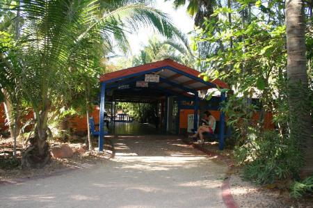 Entrance Cable Beach Backpackers