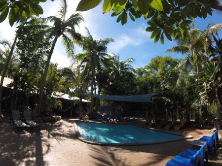 Swimming pool [outdoor] Cable Beach Backpackers