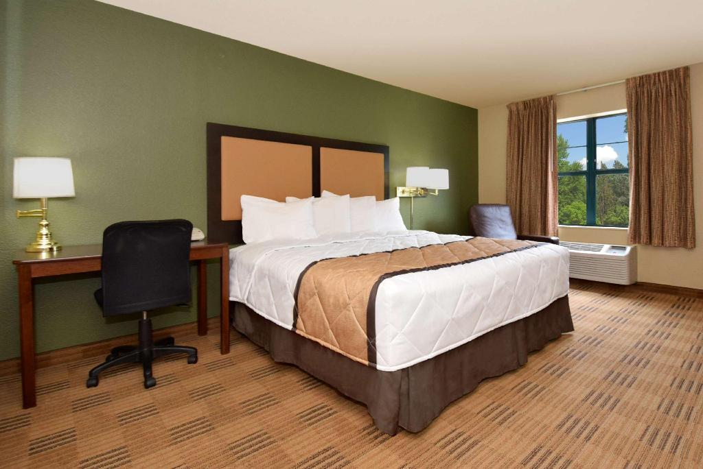 Studio King Non-Smoking - Guestroom Extended Stay America Houston  Greenway Plaza