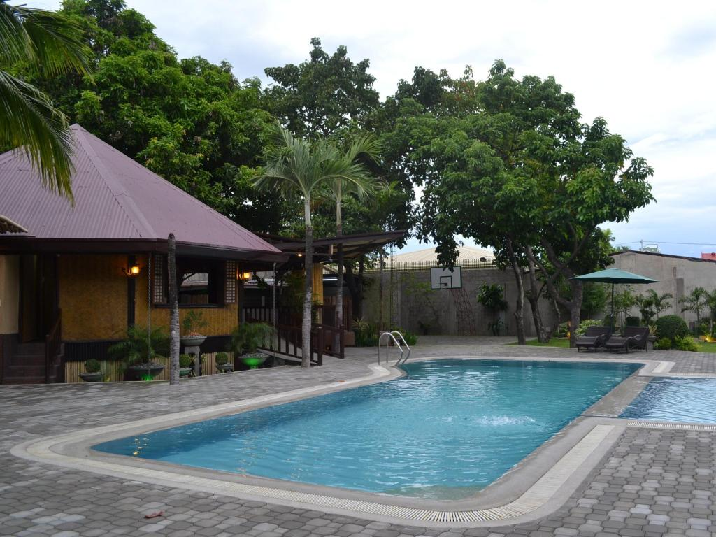 Swimming pool DM Residente Resort