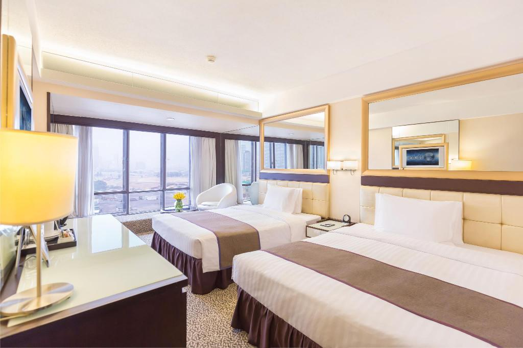 Deluxe (Double/Double) - Bed Regal Oriental Hotel