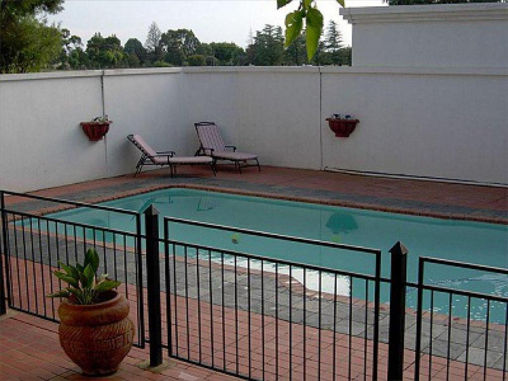 Swimming pool De Stallen Guesthouse