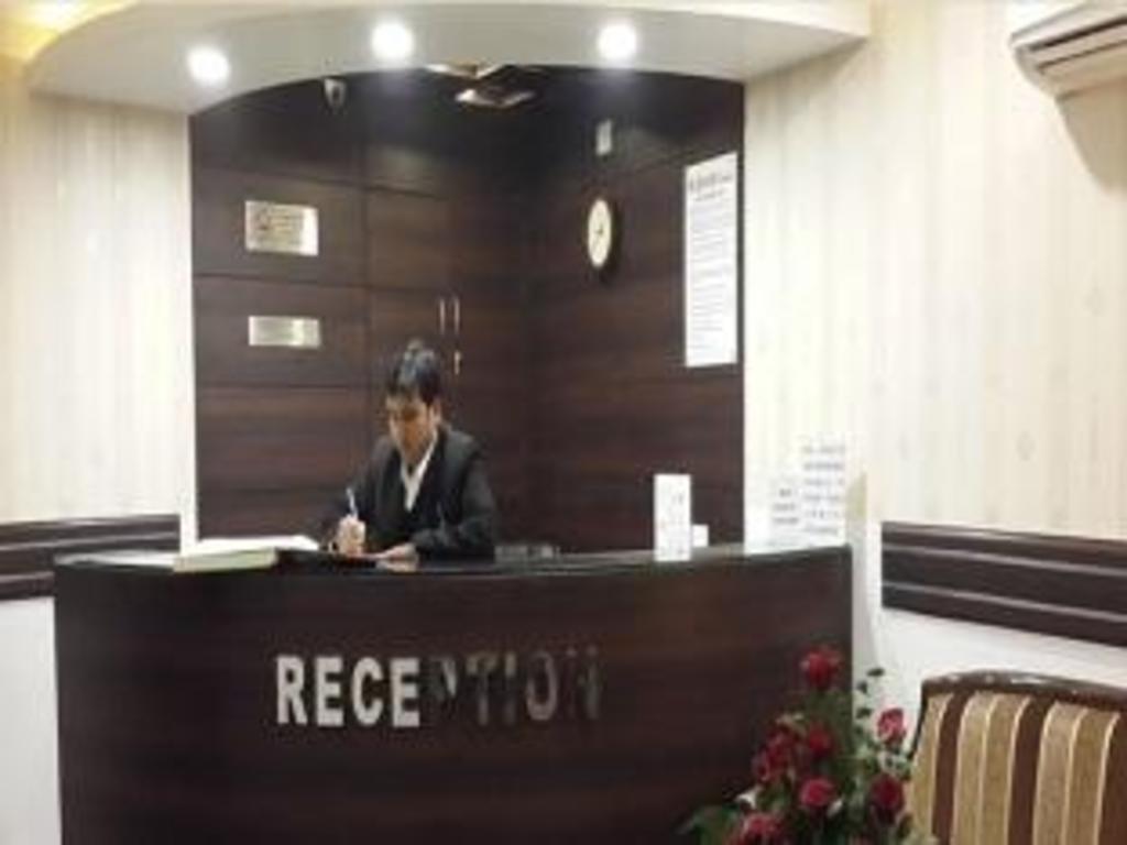 Hotel Bukhara Inn in New Delhi and NCR - Room Deals, Photos