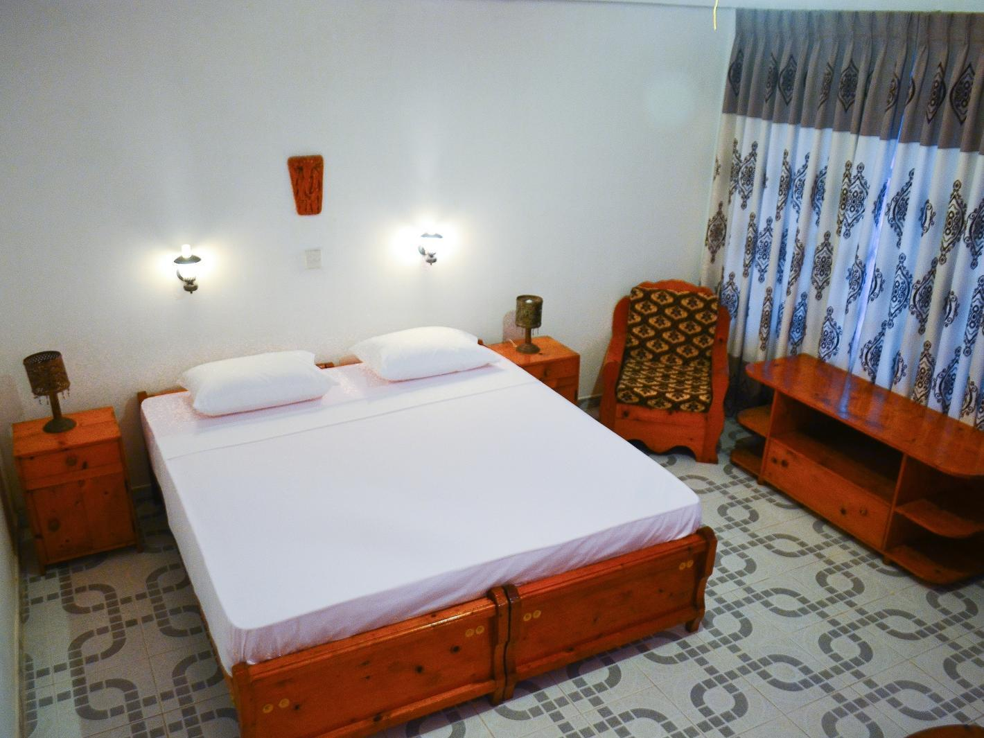 豪华双人床房-带阳台 (Deluxe Double Room with Balcony)