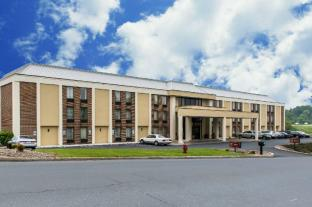 Clarion Inn and Suites Harrisburg