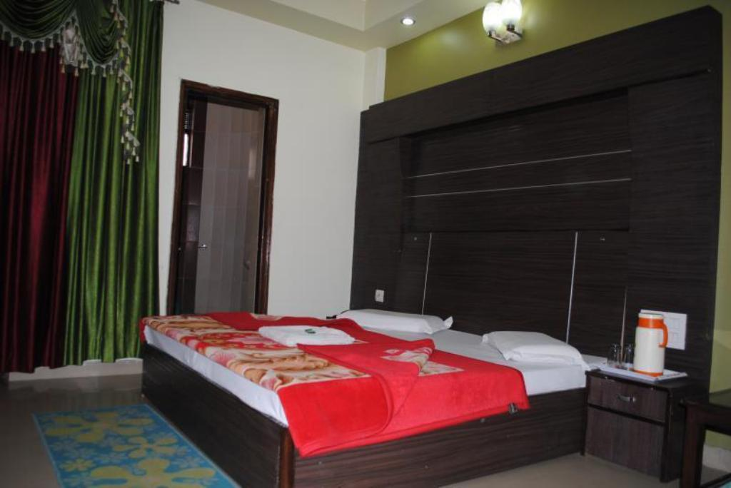 Super Double Deluxe - Guestroom Hotel Vipul Palace