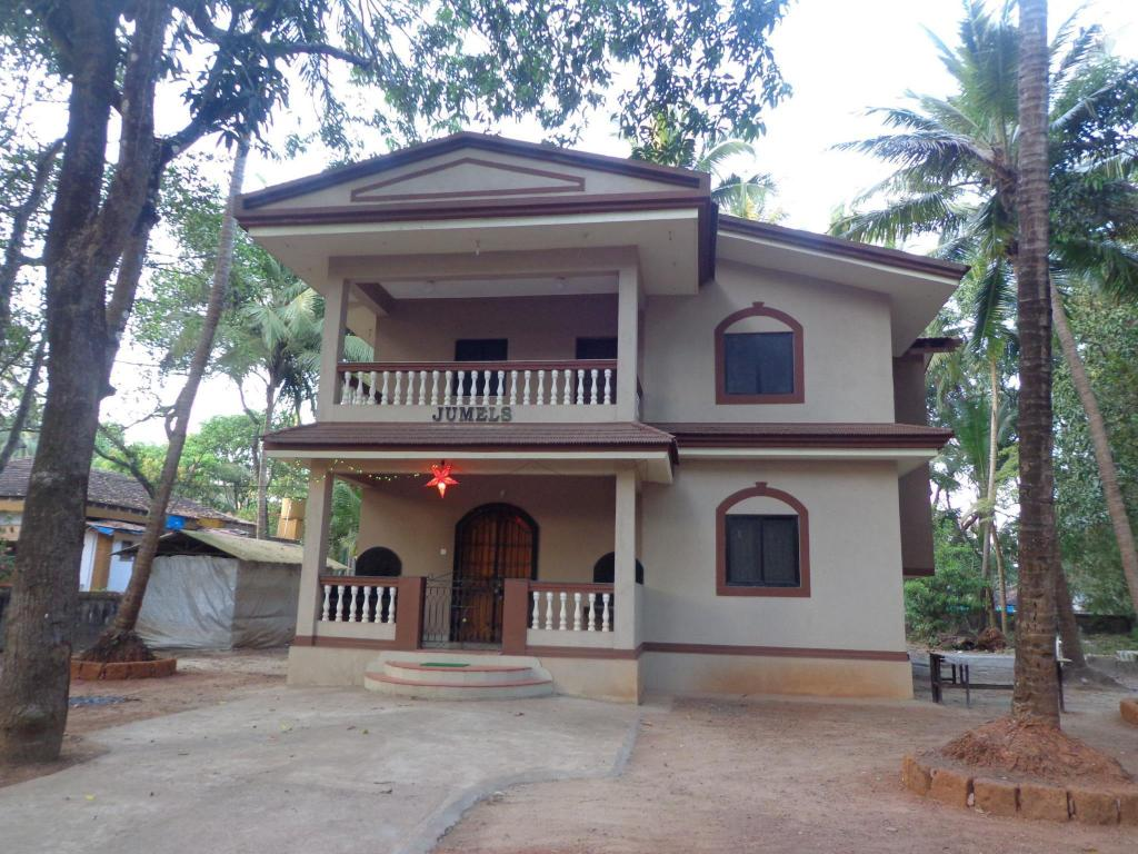 Jumels guest house in goa room deals photos reviews for Guest house in goa with swimming pool