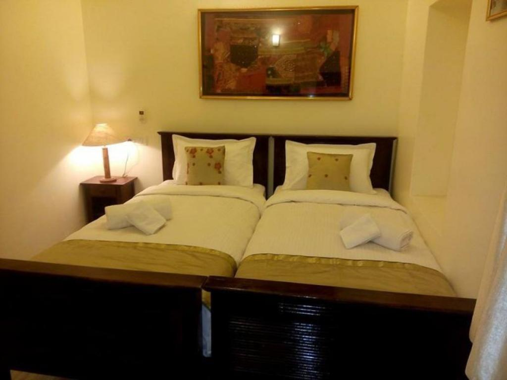 More about Hotel Shahi Garh
