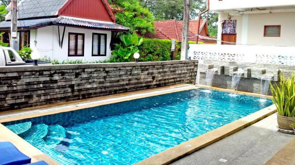 Swimming pool Dengs Kamala Beach Resort