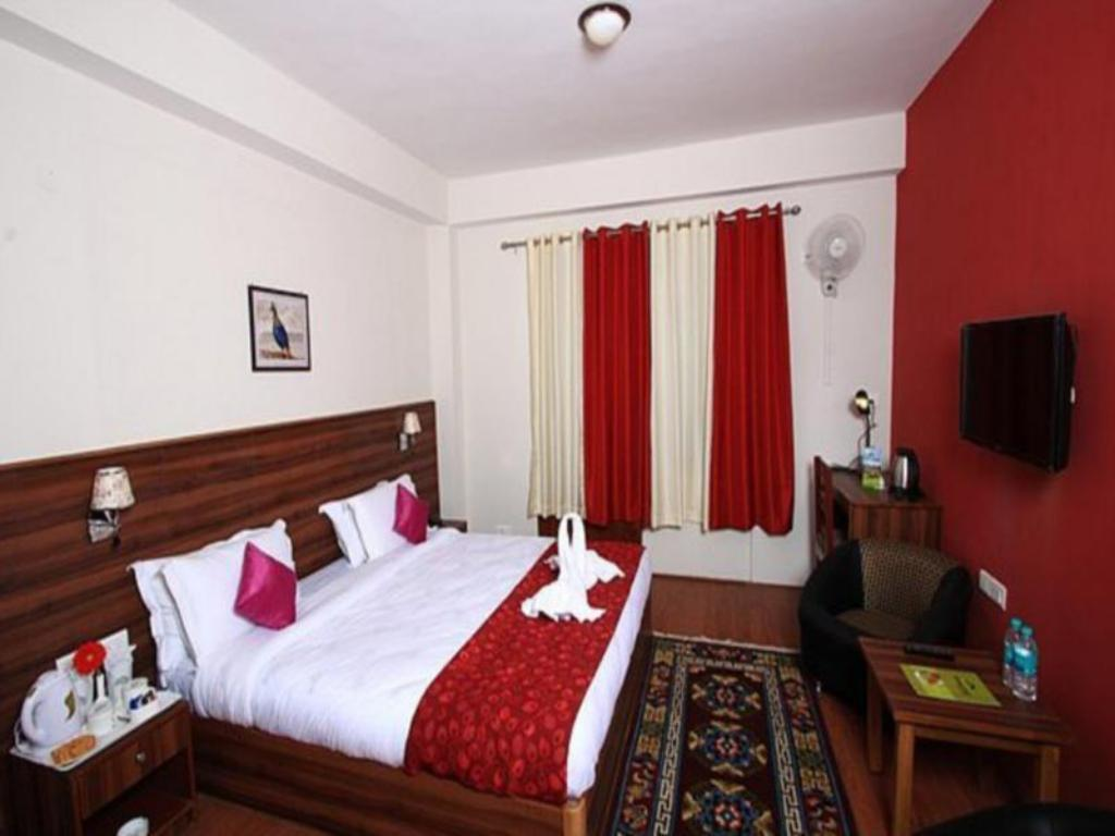 See all 25 photos Hotel Shumbuk Homes