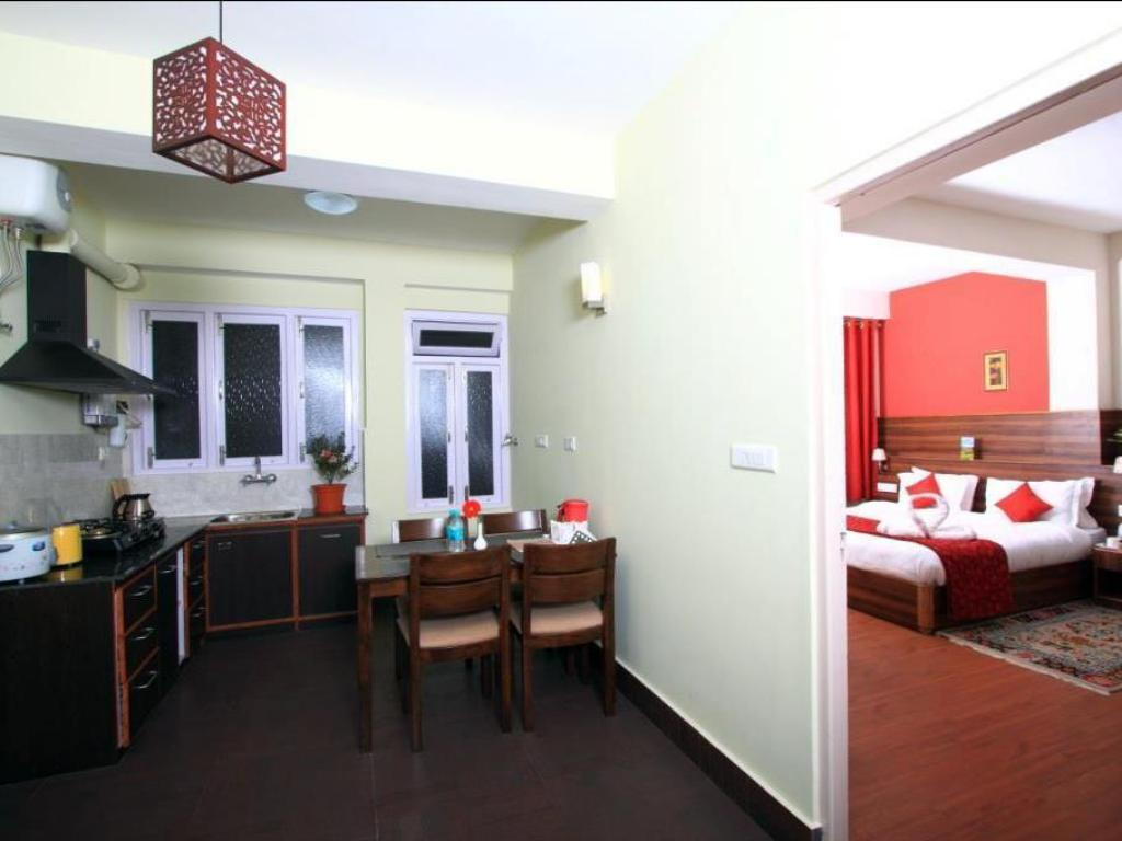 Premium  Double Room - Soba za goste Hotel Shumbuk Homes