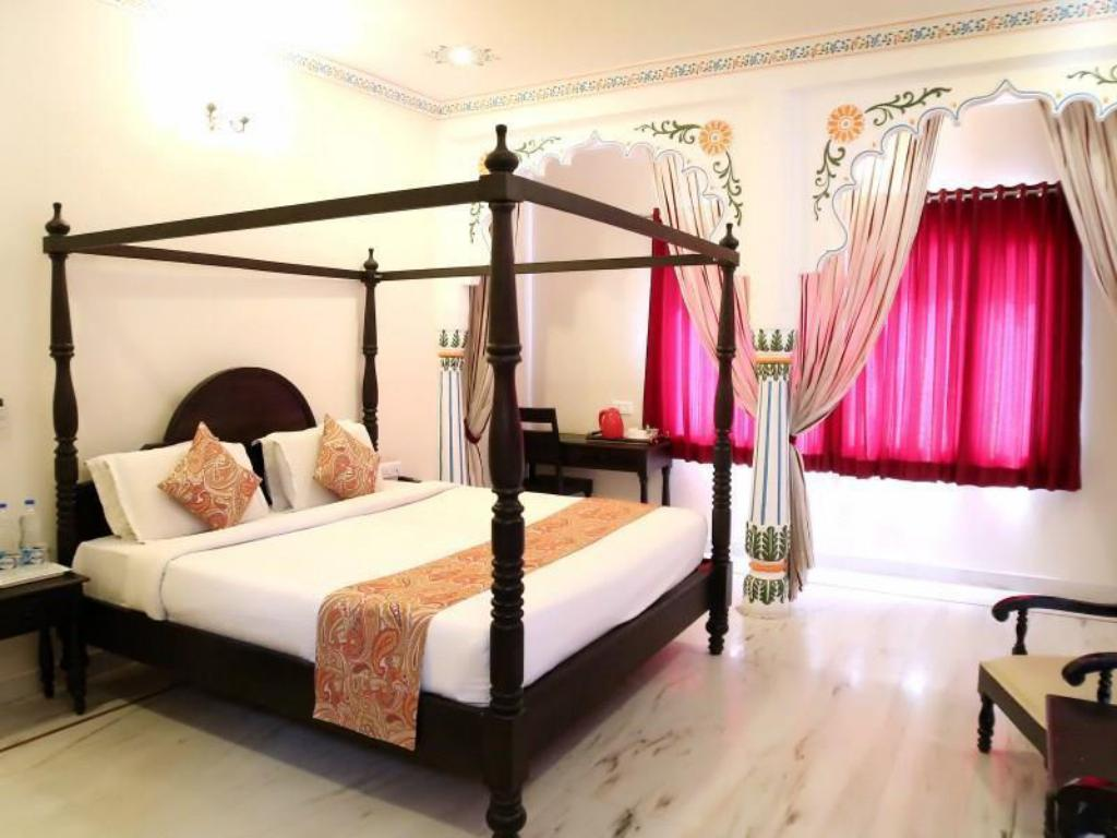 More about Hotel Royal Pratap Niwas