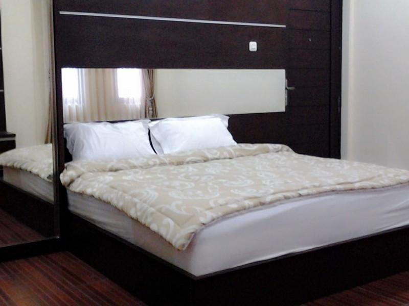 Executive King Bed