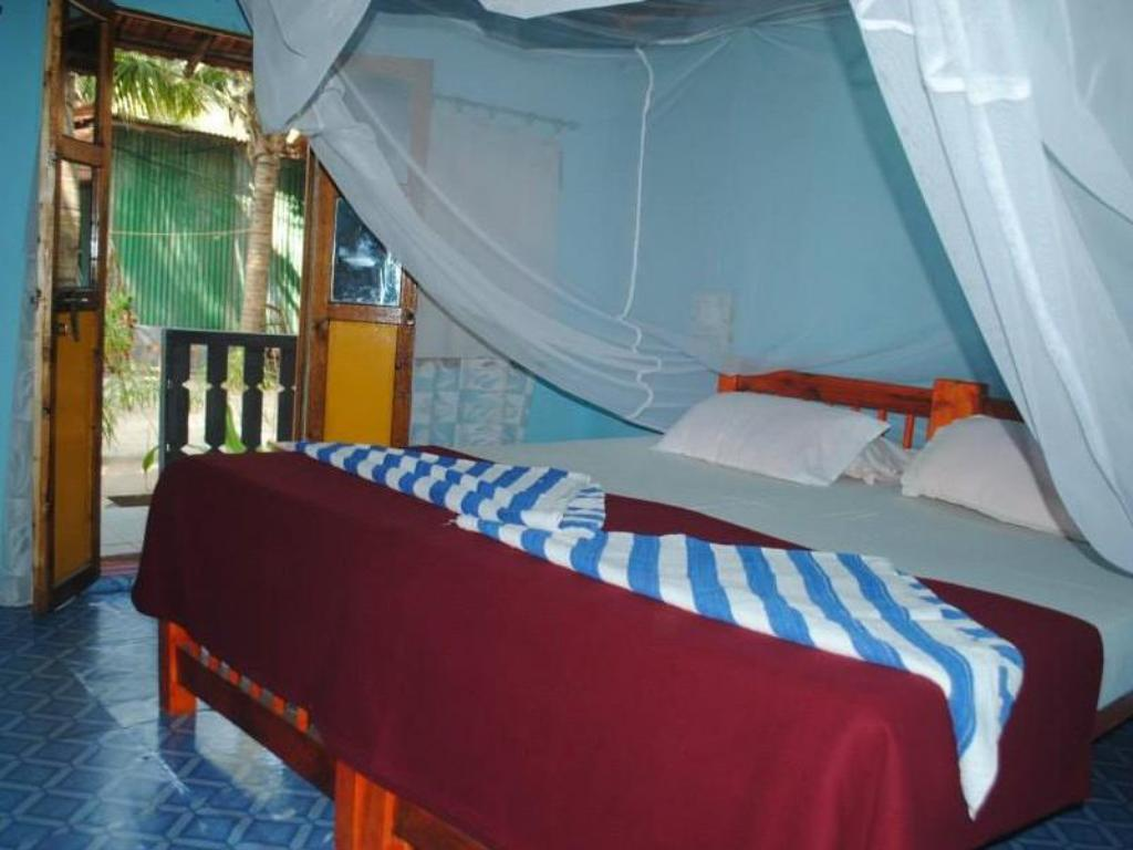 Double Room Garden View - Bed Om Shanti Patnem Beach Stay