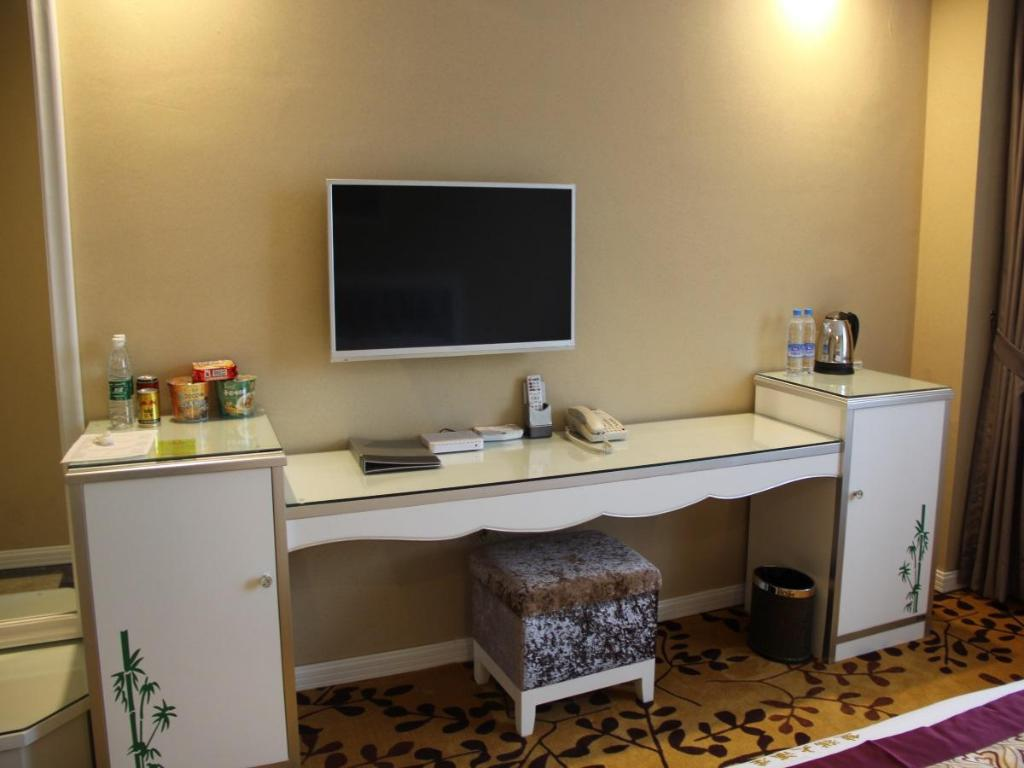 Superior 1 Queen - Desk Langzhong Panda Le Grand Large Hotel
