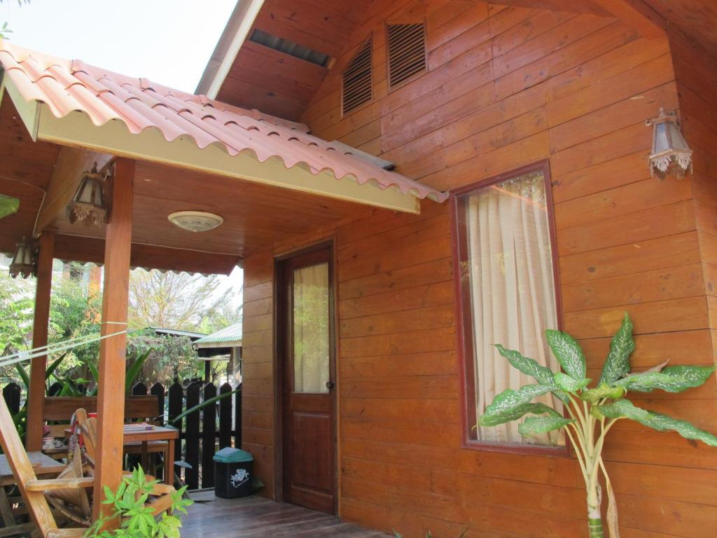 More about Baan Krutoy Homestay