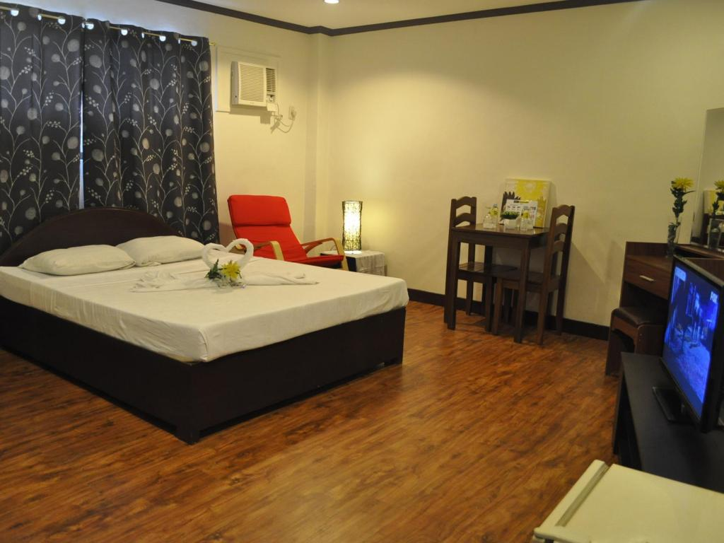 Queen Room - Non-Smoking - Guestroom GK Business Hotel