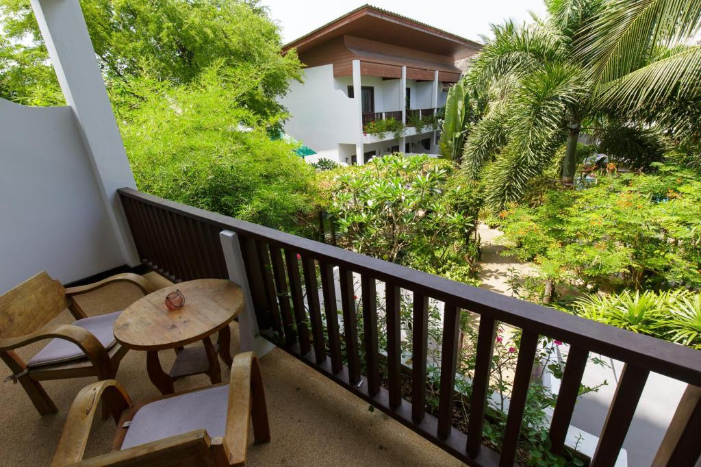 Pool View Room - Balcony Elysia Boutique Resort