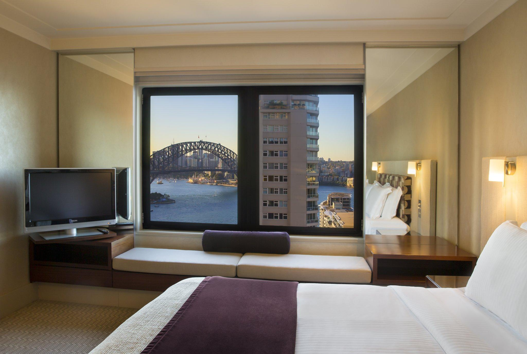 Rom med king bed, utsikt mot Harbour Bridge (1 King Harbour Bridge View Rm)