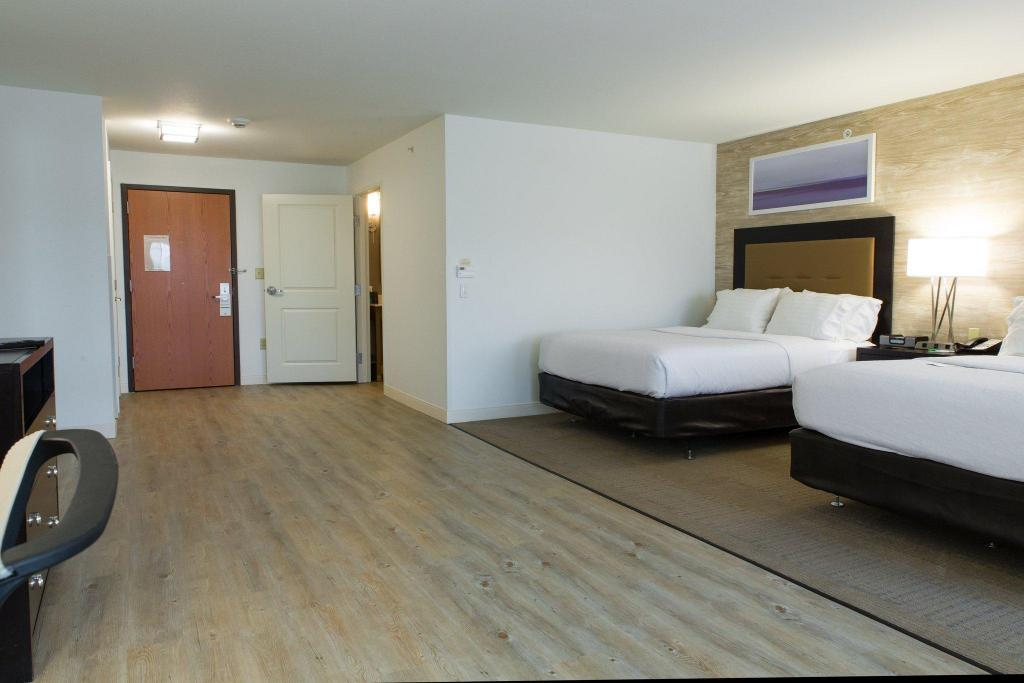 Holiday Inn Hotel & Suites Bloomington Airport in Bloomington (IL