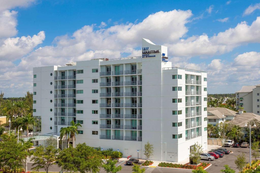 More about TRYP by Wyndham Maritime Fort Lauderdale